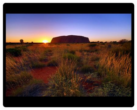 Sunrise at Uluru, Ayers Rock, Uluru-Kata Tjuta National Park, Northern Territory, Australia