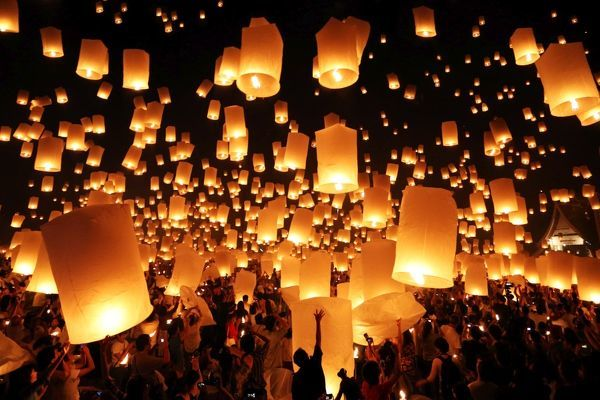 Yee Peng Sansai Floating Lantern Ceremony, part of the Loy Kratong celebrations in homage to Lord Buddha at Maejo, Chiang Mai, Thailand