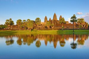 <b>Angkor 2016</b><br>Selection of 42 items