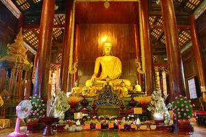 Buddha statue in Wat Phan tao Temple in Chiang Mai, Thailand