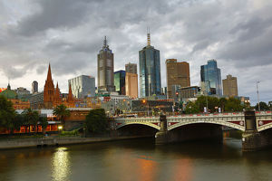 City skyline of Melbourne and the Princes Bridge over the Yarra River, Melbourne