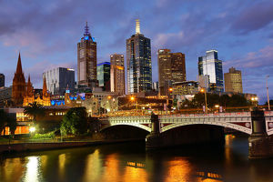 City skyline of Melbourne at sunset and Princes Bridge over the Yarra River, Melbourne