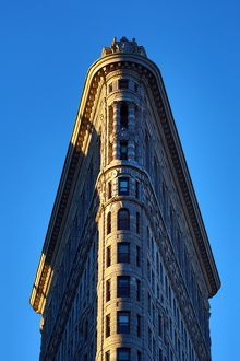 The Flatiron Building, Madison Square, New York. America