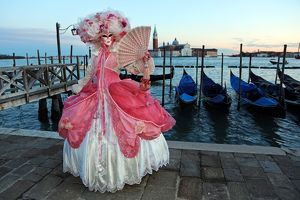 <b>Venice Carnival</b><br>Selection of 75 items