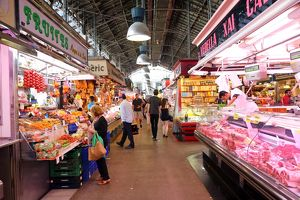Stalls and fresh produce at La Boqueria market de St Josep, Barcelona, Spain