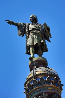 Statue of Christopher Columbus on La Colonne Colomb, Barcelona, Spain