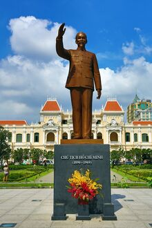 Statue of Ho Chi Minh in front of the Saigon PeopleÕs Committee Building, Ho