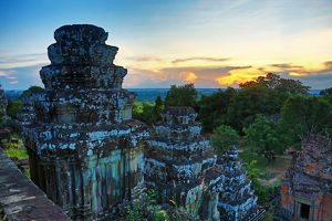 Sunset at Phnom Bakheng Temple, Angkor , Siem Reap, Cambodia