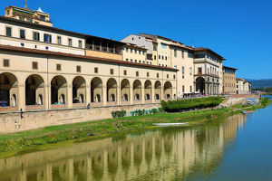 florence italy/uffizi gallery river arno florence italy