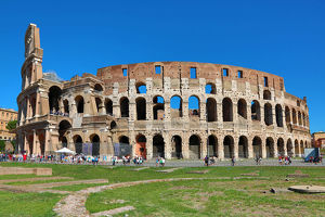 rome italy b/view colosseum amphitheatre rome italy