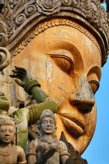 pattaya thailand/wooden carving sanctuary truth temple prasat